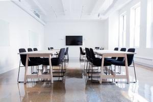 Czy warto zostać pośrednikiem sprzedaży nieruchomości ?